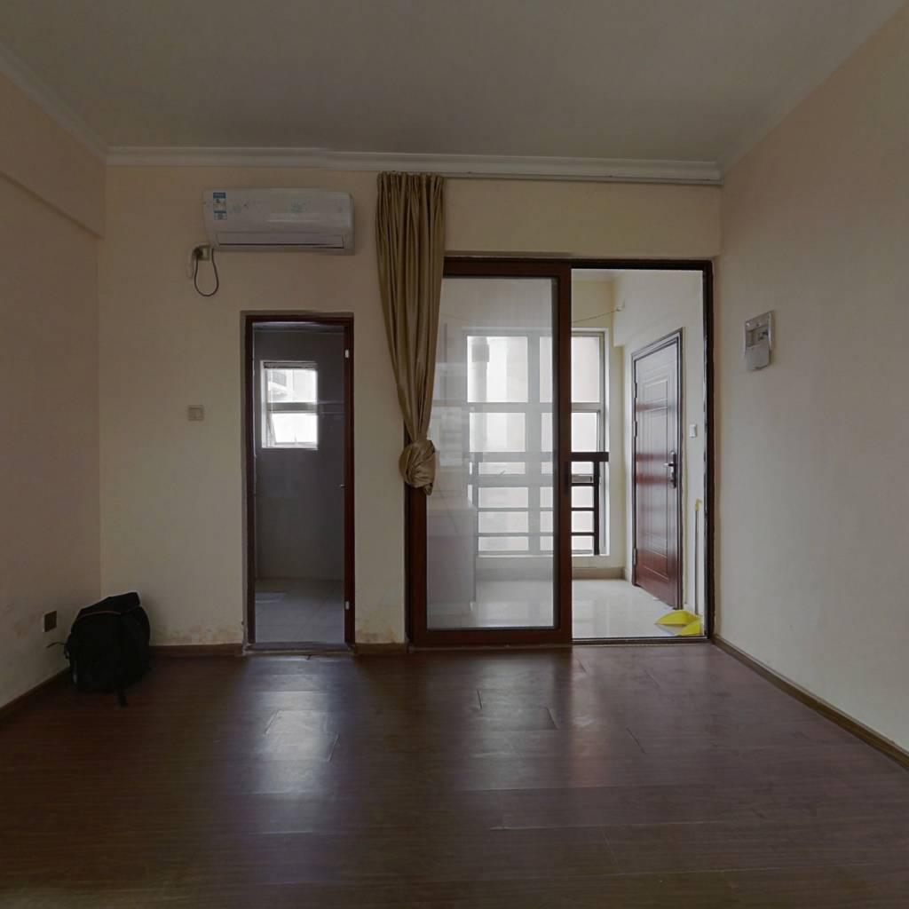 电梯公寓,三面采光,不占购房资质